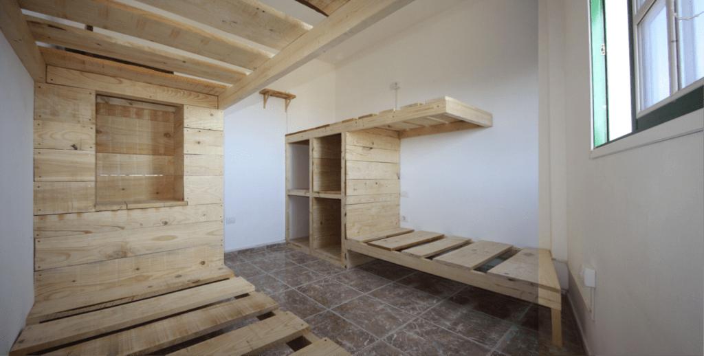 Una de las primeras literas de la Tenerife Climbing House