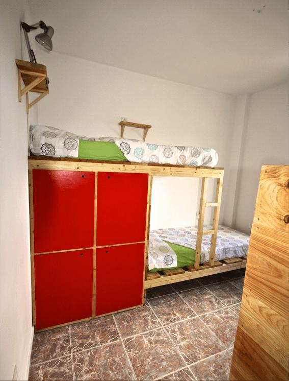 Habitación de 4 camas en el Tenerife Climbing House
