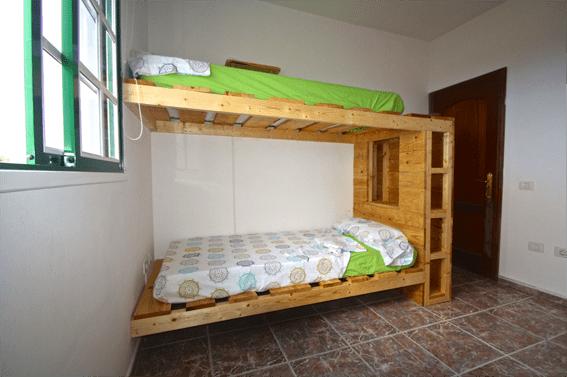 La otra litera de la habitación de 4 camas